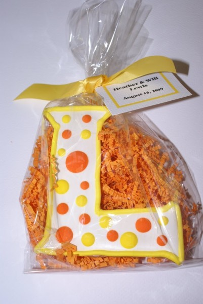 initial wedding cookie favors