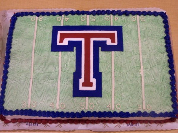 tesoro high school cake