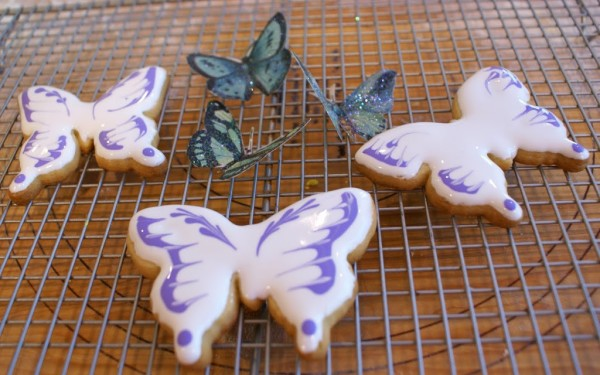 butterfly decorated cookies