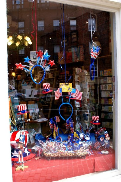 4th of july decoration in a boston store window beacon hill