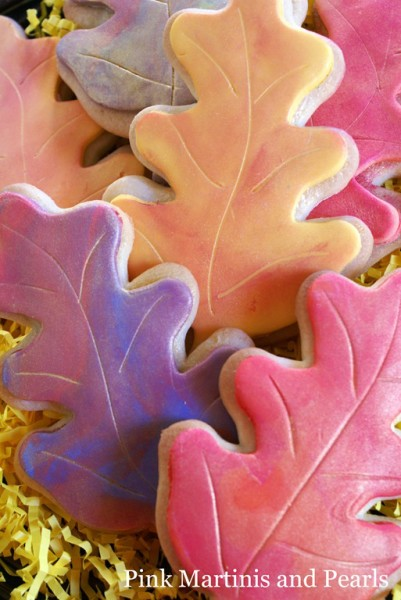 deocrated fall leaves with fondant