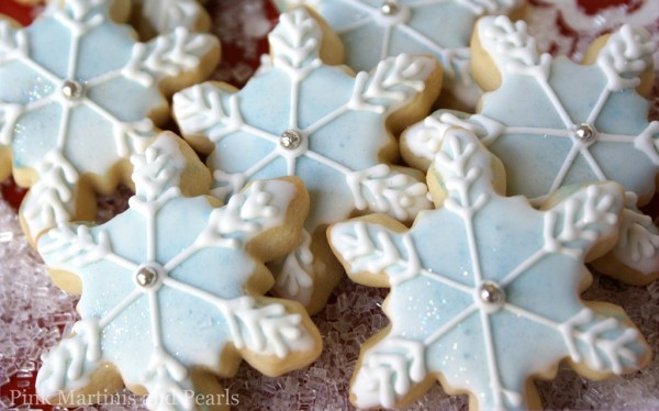 decorated snowflake cookies