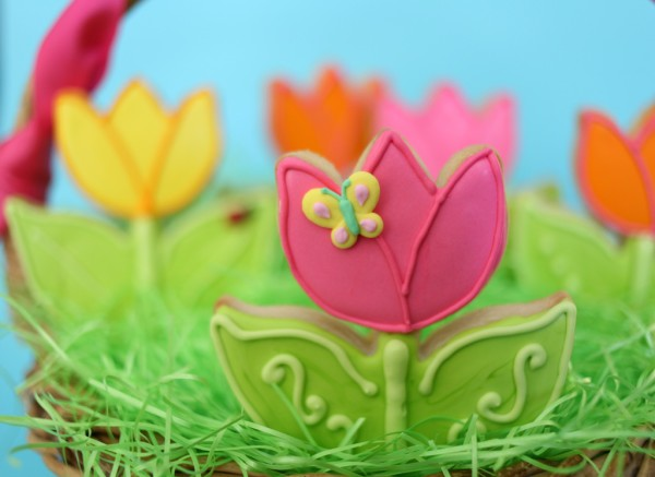 decorated spring flower cookies