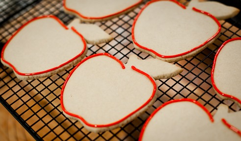 apple cookies outline