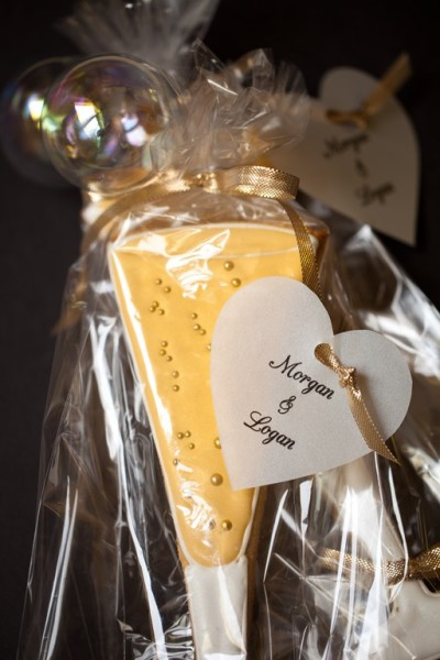 champagne glass cookies with tags