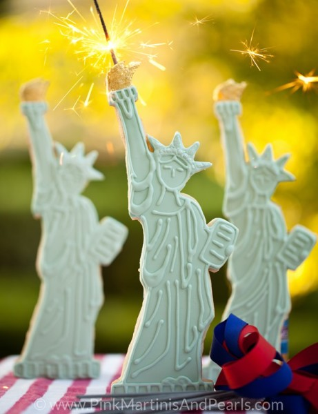 Decorated Statue of Liberty Cookies with sparklers