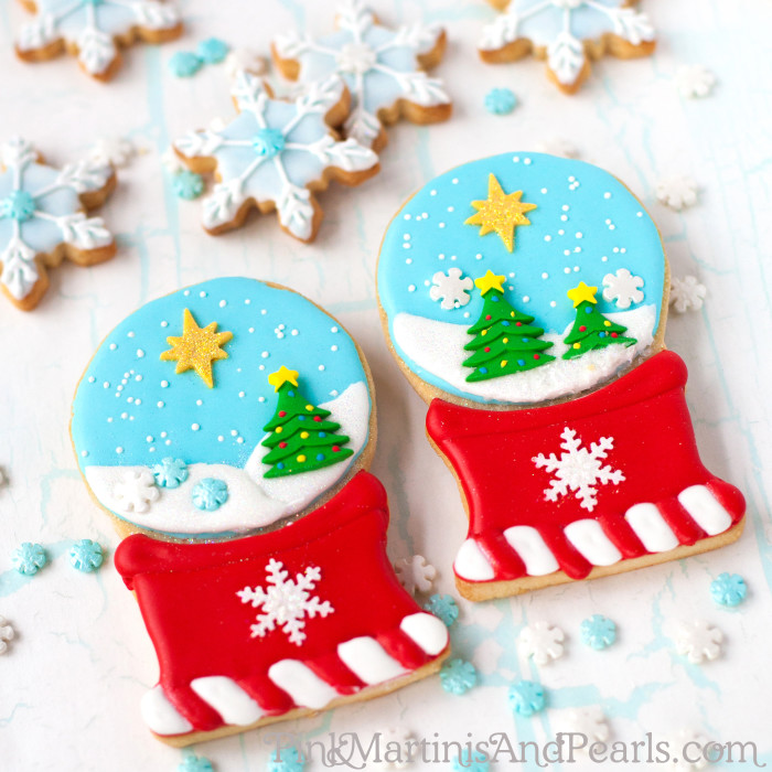 decorated shakable snowglobe cookies