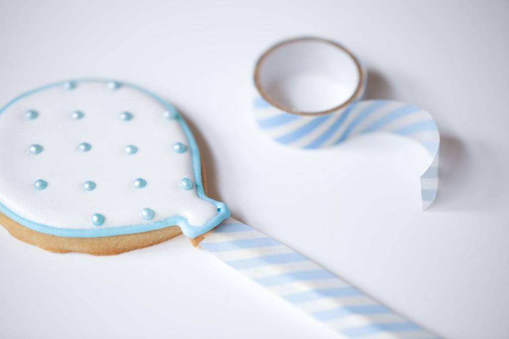white balloon baby birthday cookies-163