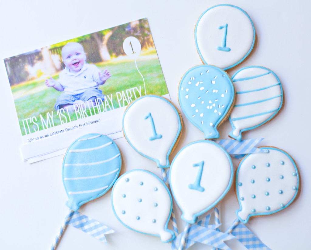 white balloon baby birthday cookies-167