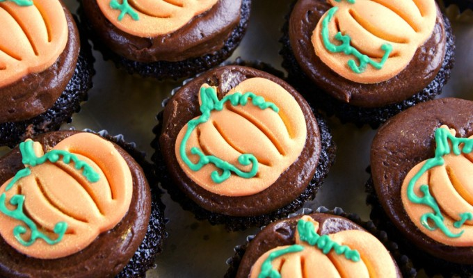Mini Cupcake Spiral Tower (Autumn, Fall)