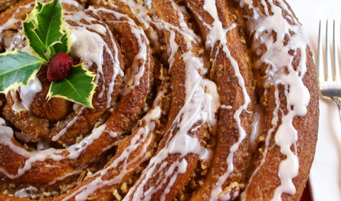 Ginormous Cinnamon Roll – Easy, Impressive and Beyond Delicious!