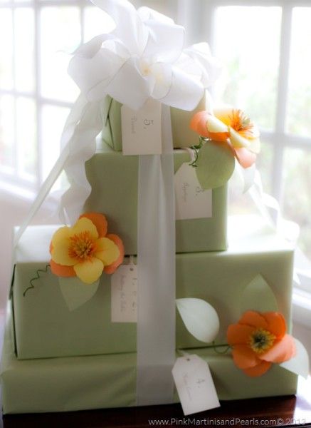 How To Wrap Wedding Gifts: Bridal Shower Gifts And Wrapping Ideas