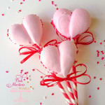 Meringue Cookie Heart Pops