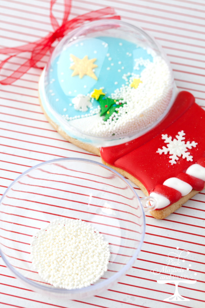 shakable snow globe cookies